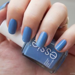 NOTD-Essie-Lapis-of-Luxury-02